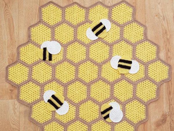 crochet Busy Bumble Blanket free pattern