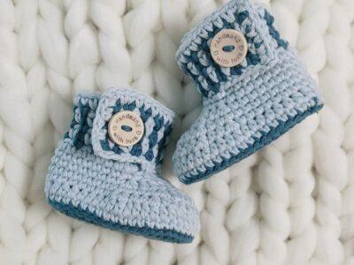 crochet Moss Stitch Baby Booties free pattern