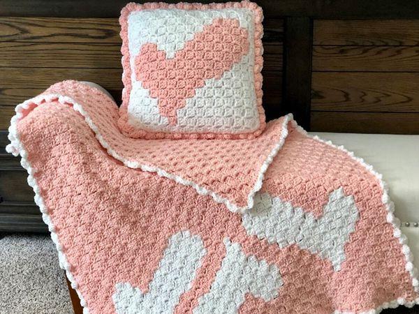 crochet Wonky Heart Blanket & Pillow easy pattern