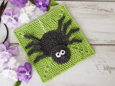 crochet Creepy Crawly Granny Square free pattern