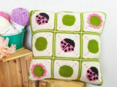 crochet Ladybug Pillow free pattern