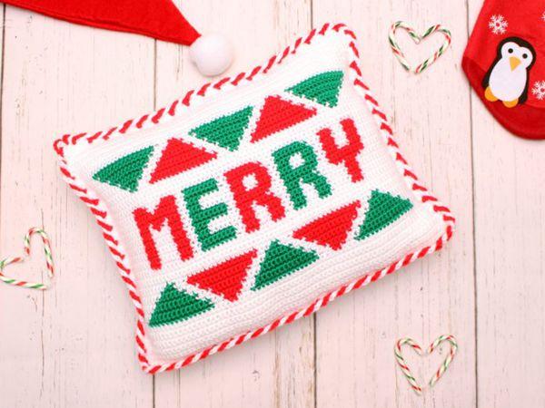 crochet Merry Pillow free pattern