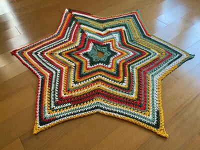crochet Starshine Christmas Tree Skirt free pattern