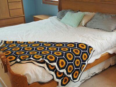 crochet Sunflower Honeycomb Blanket easy pattern