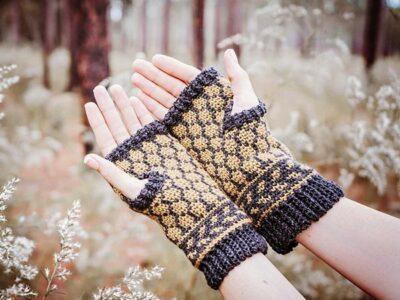 crochet BEE FINGERLESS MITTENS free pattern